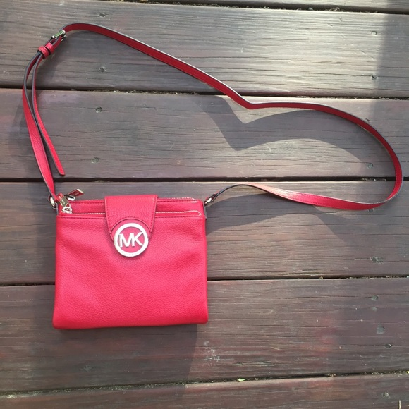 9d1c78adfe50 official handtasche michael kors jules lg drawstring shoulder bag black  07129 cc4a2; norway nwot michael michael kors red crossbody bag 3330d 2c0c9